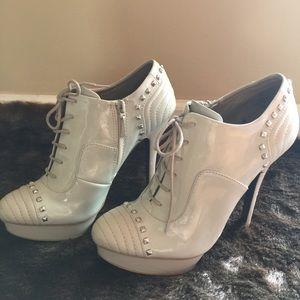 Rachel Rachel Roy booties size 8.5